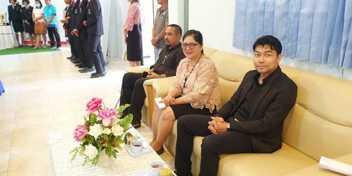 คุณกฤษฎา ปานบำรุง กรรมการผู้จัดการ บริษัท ซีซีทีวี ประเทศไทย ได้รับเกียรติเป็นตัวแทนสมาคมระบบกล้องวงจรปิดอัจฉริยะไทย ร่วมกับท่าน ส.ส.ชุมพล จุลใส